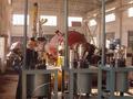 带起吊盖装置的中试用高压釜
