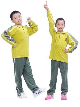小中学生秋季运动服图片