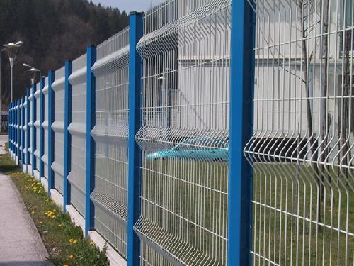 安平PVC包塑三角折弯护栏定做厂家